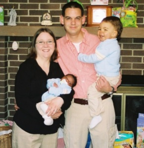 Armymomma's first family picture as a family of 4, taken Easter 2008 less than 2 weeks after Thing2 was born.